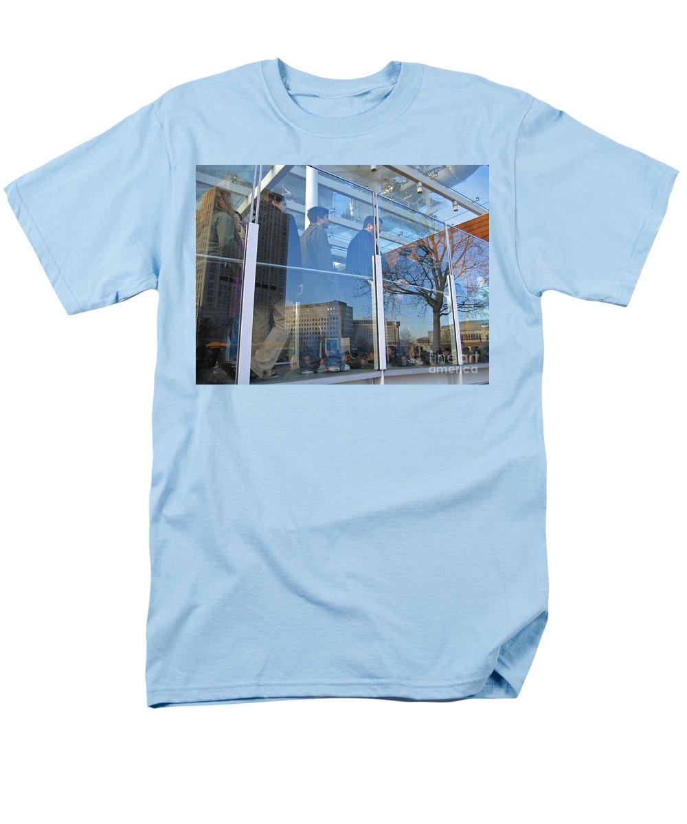 London Men's T-Shirt (Regular Fit) featuring the photograph Crowd Queuing Up by Ann Horn