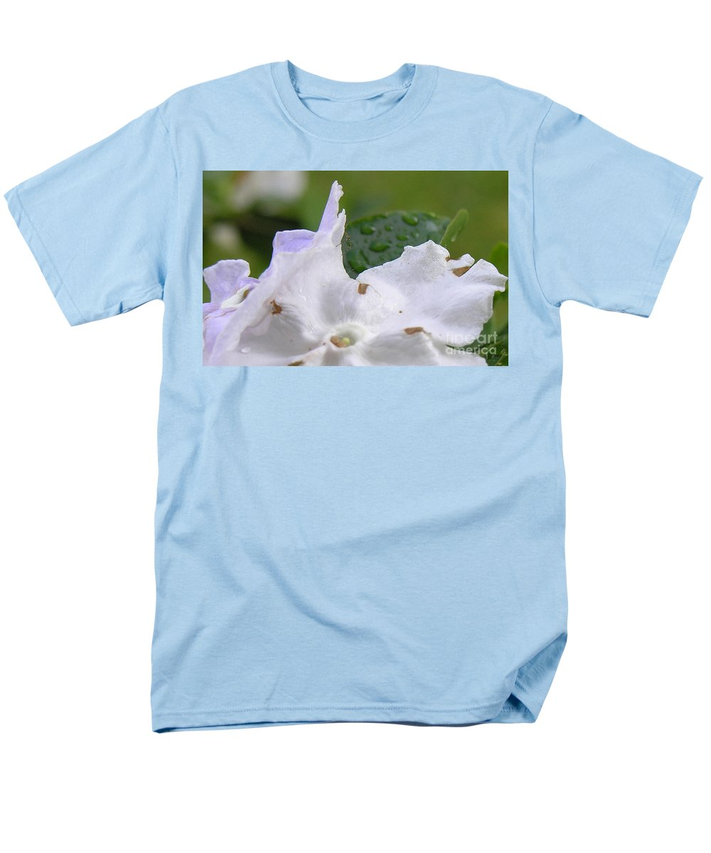 Flower Men's T-Shirt (Regular Fit) featuring the photograph Easter Surprise by Richard Rizzo