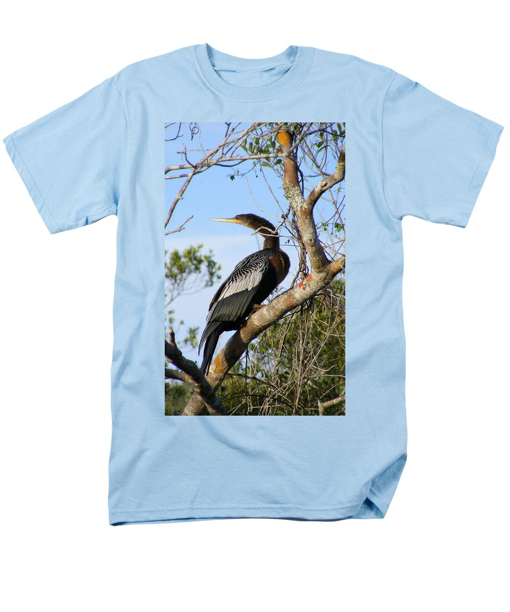 Bird Men's T-Shirt (Regular Fit) featuring the photograph Strike A Pose by Edward Smith