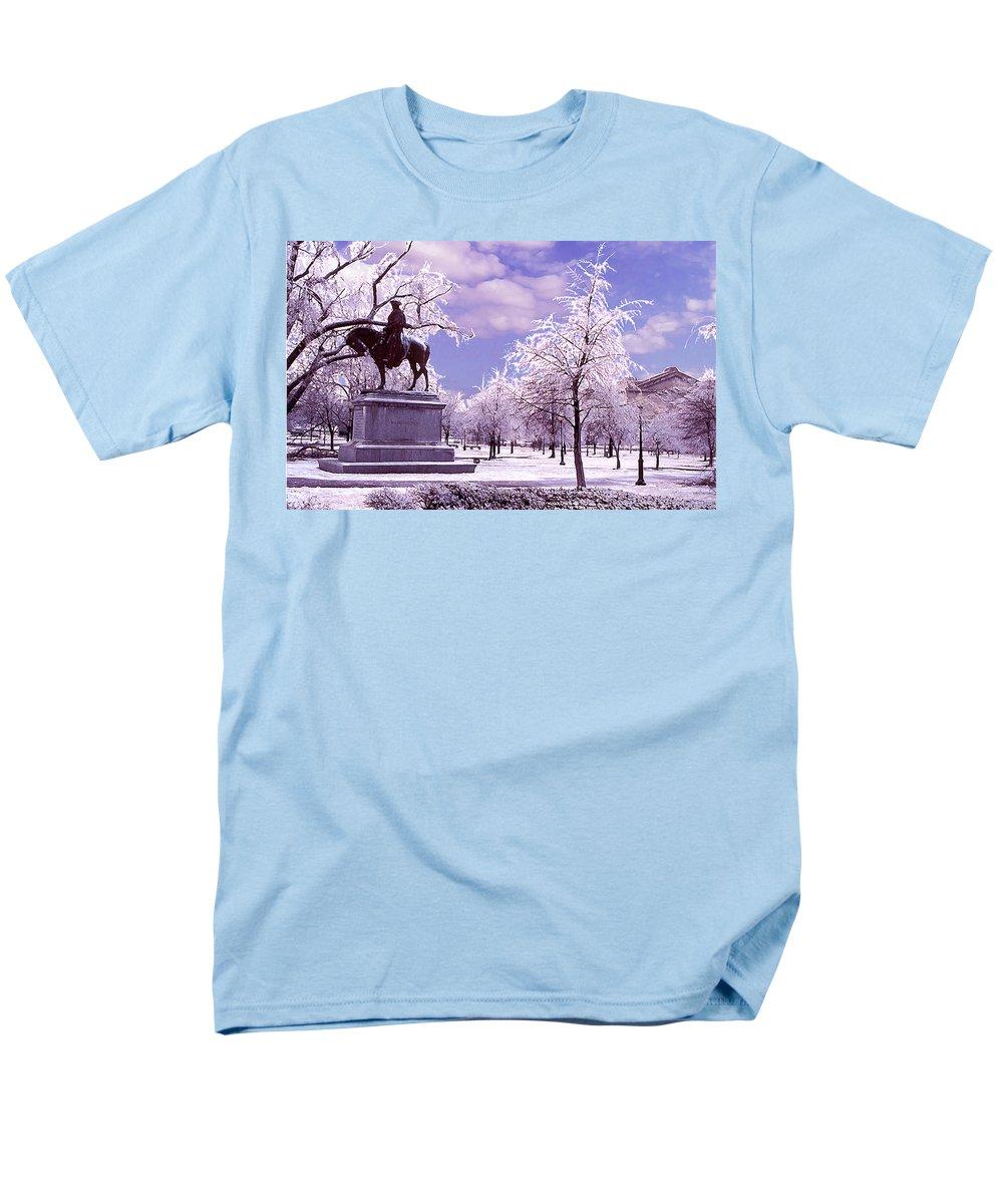 Landscape Men's T-Shirt (Regular Fit) featuring the photograph Washington Square Park by Steve Karol