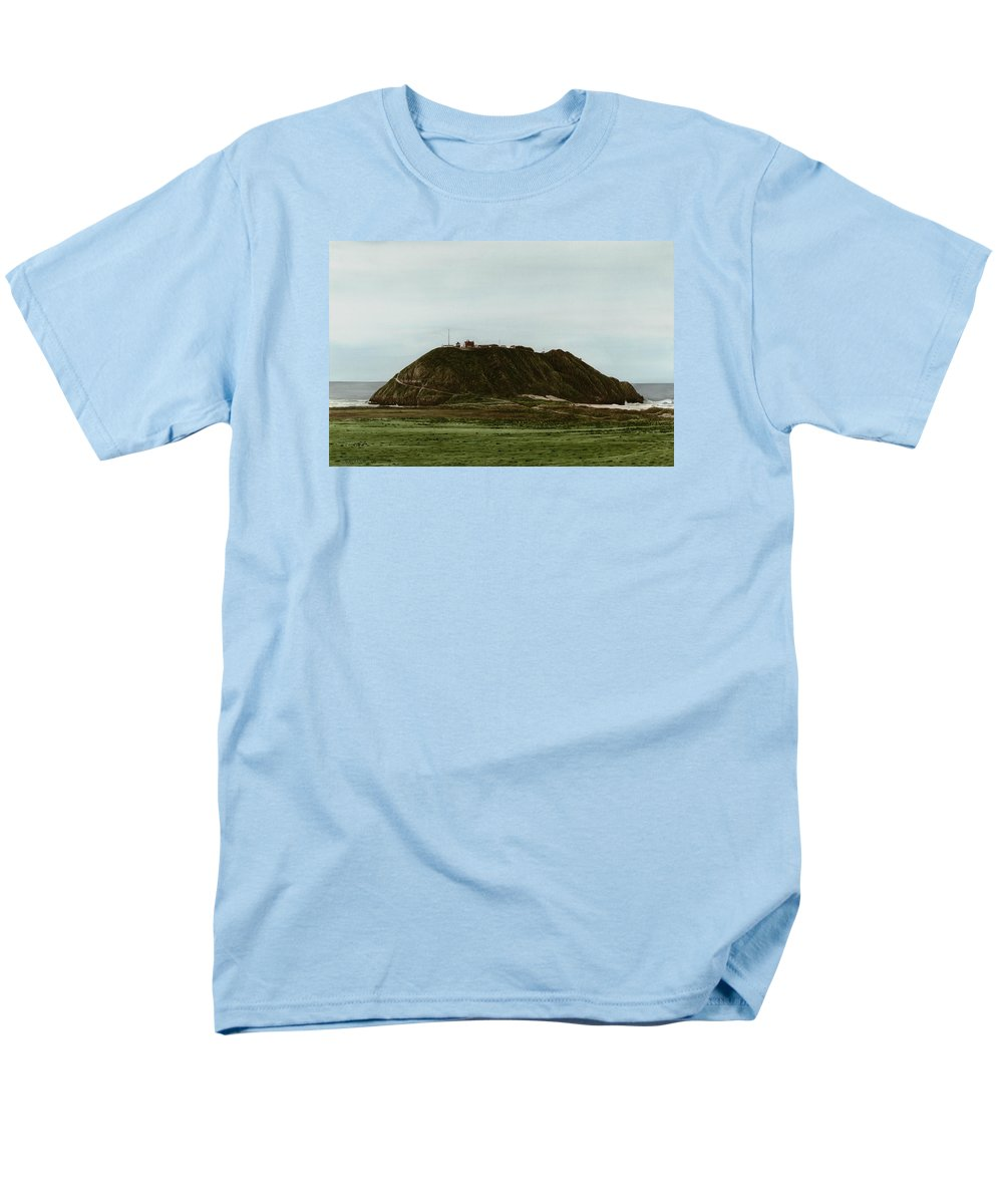 Ocean Men's T-Shirt (Regular Fit) featuring the painting Point sur Lighthouse by James Robertson