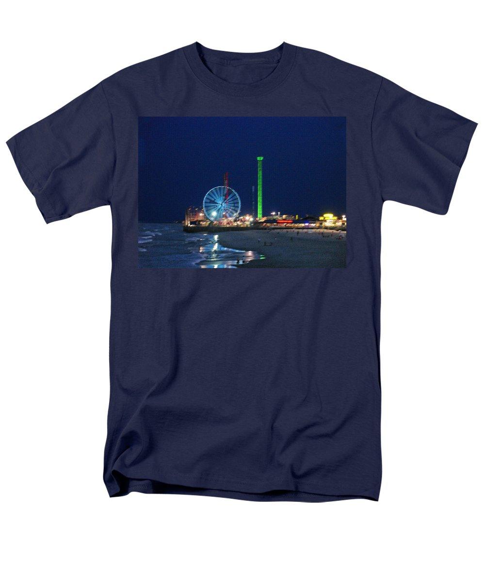 Landscape Men's T-Shirt (Regular Fit) featuring the digital art Jersey Shore by Steve Karol