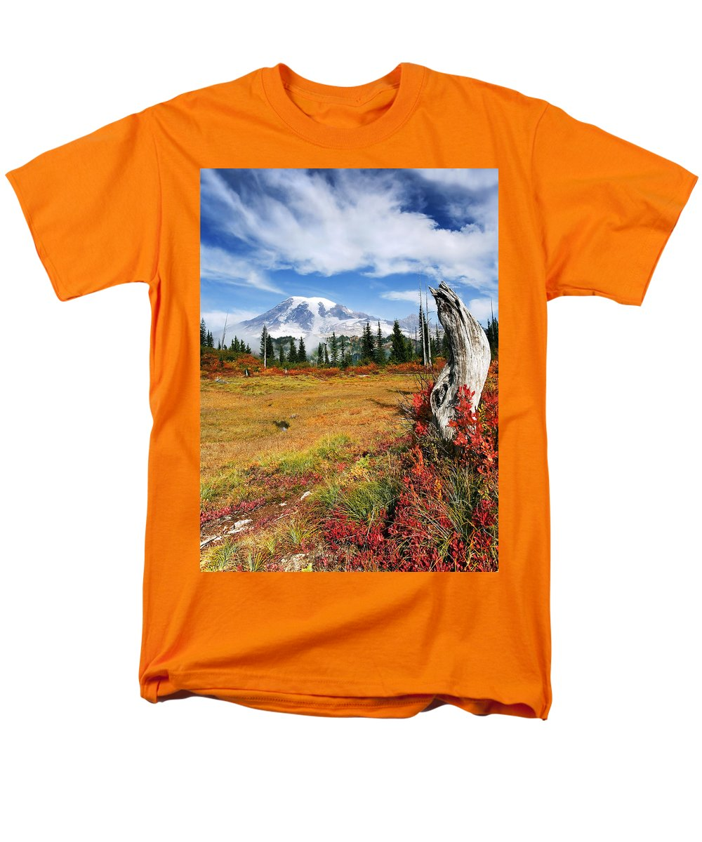 Rainier Men's T-Shirt (Regular Fit) featuring the photograph Autumn Majesty by Mike Dawson