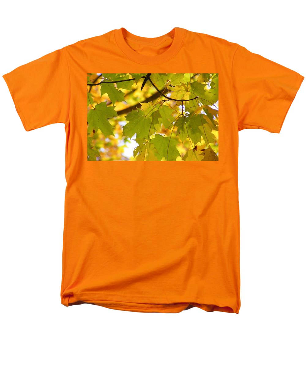Leaves Men's T-Shirt (Regular Fit) featuring the photograph Natures Glow by Edward Smith