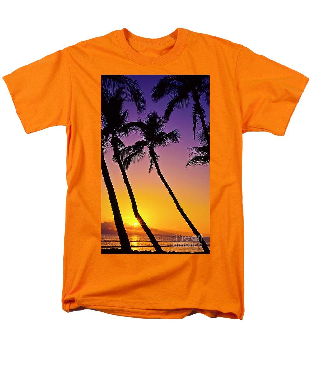 Sunset Men's T-Shirt (Regular Fit) featuring the photograph Paradise by Jim Cazel