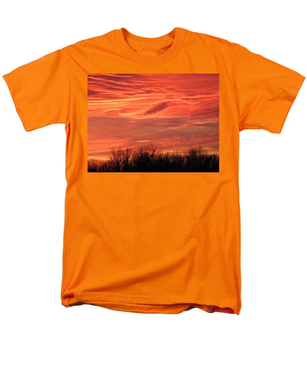 Sunset Men's T-Shirt (Regular Fit) featuring the photograph Who Needs Jupiter by Gale Cochran-Smith