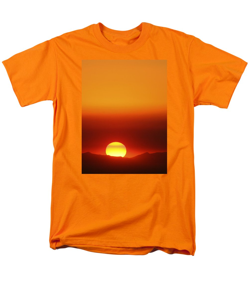 Catalina Sunset Men's T-Shirt (Regular Fit) featuring the photograph Catalina Sun by Andre Aleksis