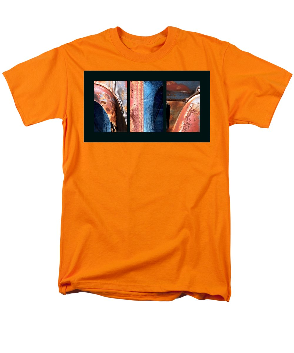 Abstract Men's T-Shirt (Regular Fit) featuring the photograph Ole Bill by Steve Karol