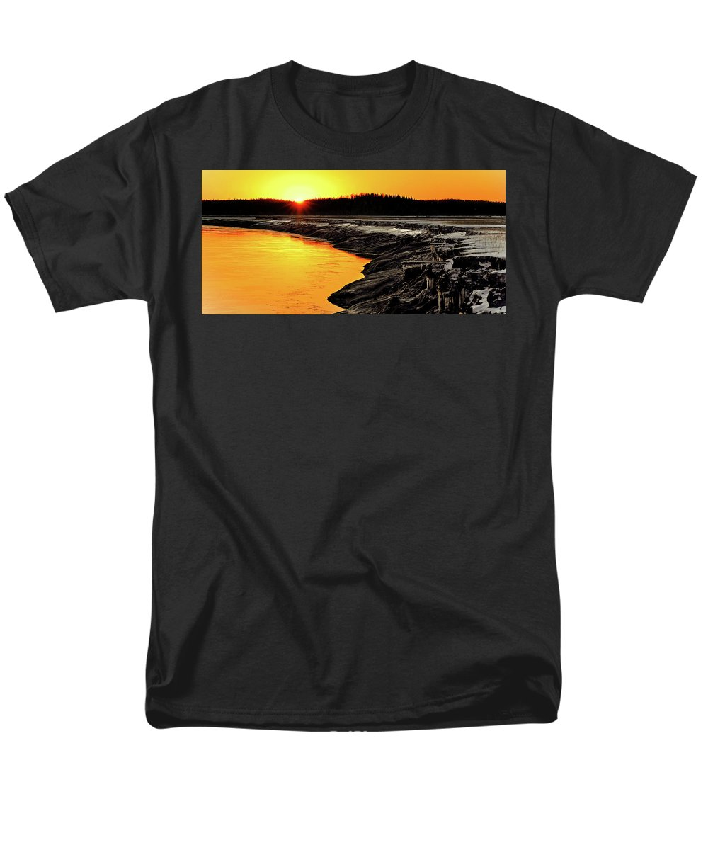 Alaska Men's T-Shirt (Regular Fit) featuring the photograph Contrasts In Nature by Ron Day