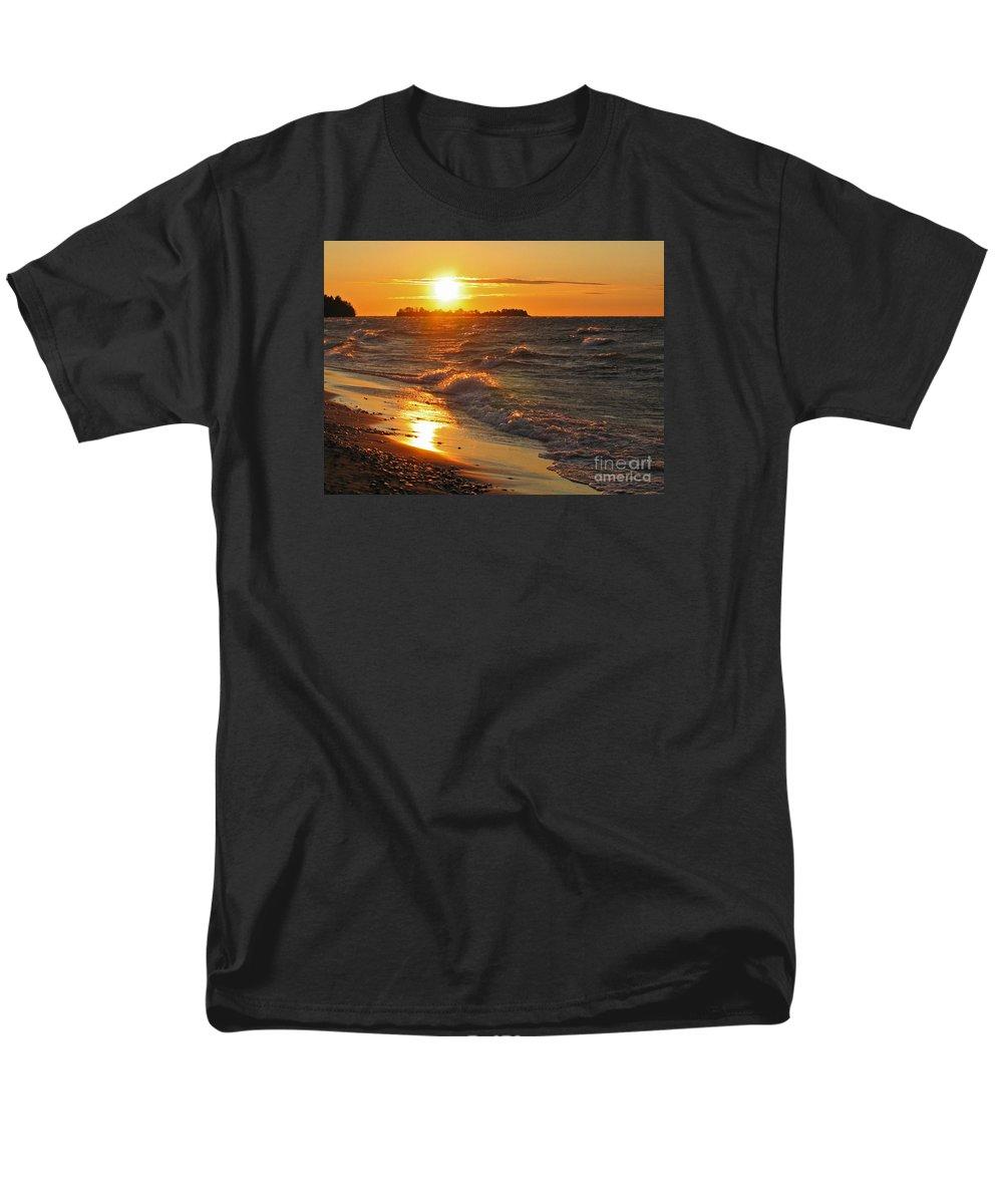 Sunset Men's T-Shirt (Regular Fit) featuring the photograph Superior Sunset by Ann Horn