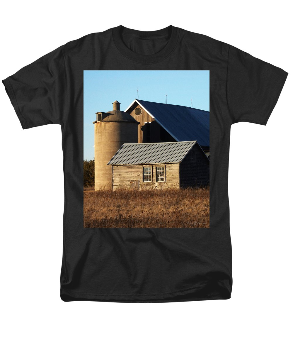 Barn Men's T-Shirt (Regular Fit) featuring the photograph Barn at 57 and Q by Tim Nyberg