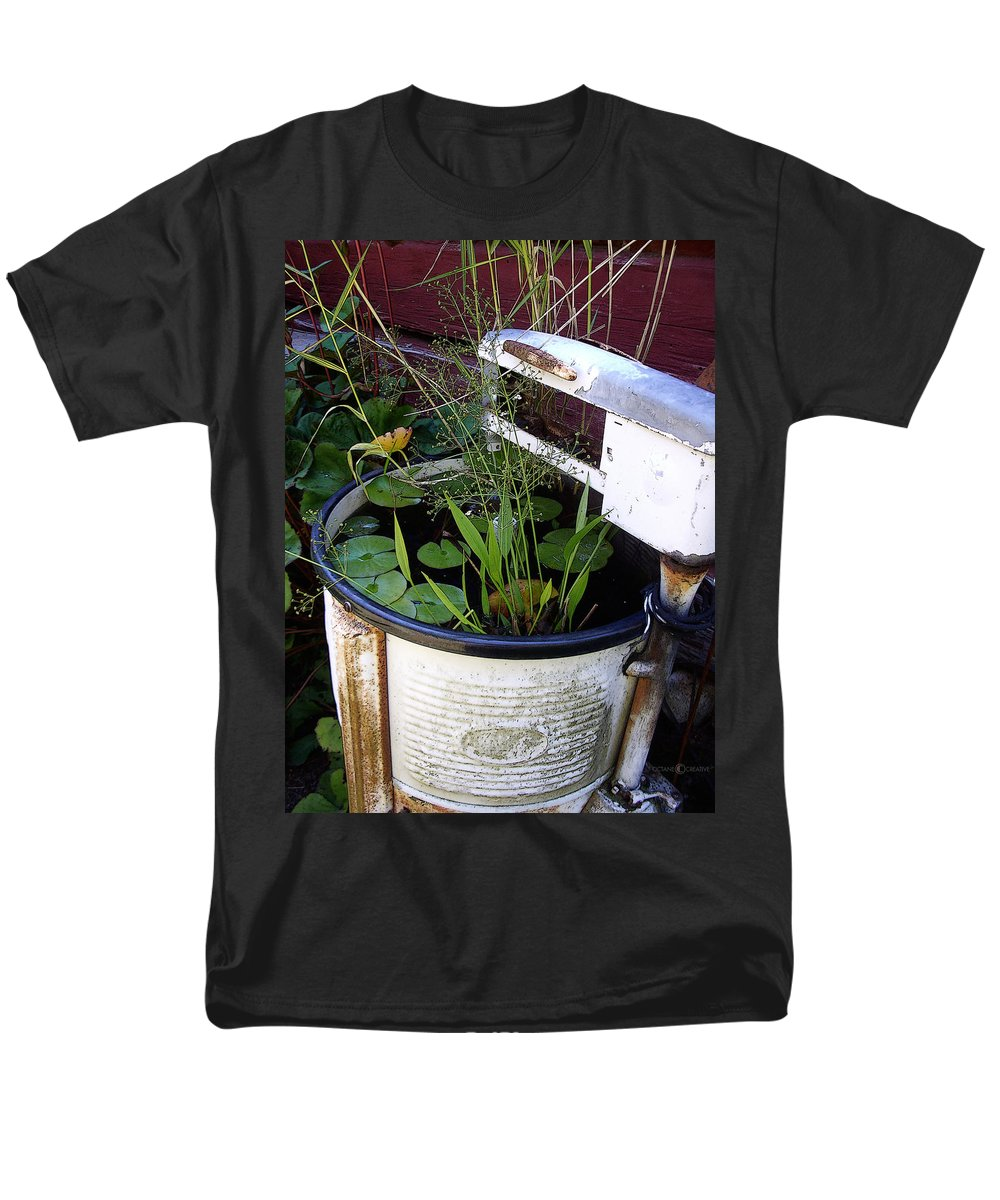 Wringer Men's T-Shirt (Regular Fit) featuring the photograph Dead Wringer by Tim Nyberg
