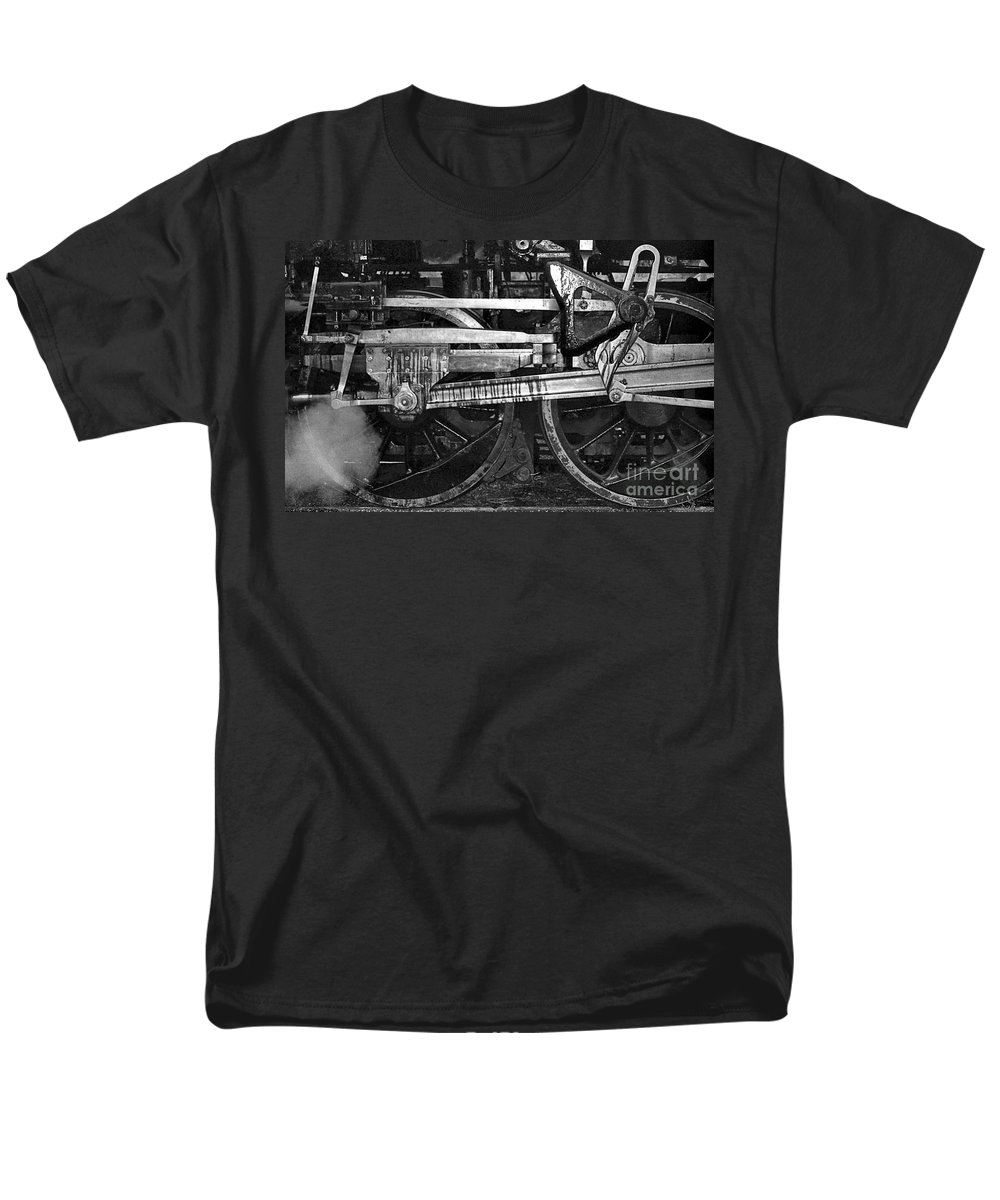 Trains Men's T-Shirt (Regular Fit) featuring the photograph Driving Wheels by Richard Rizzo