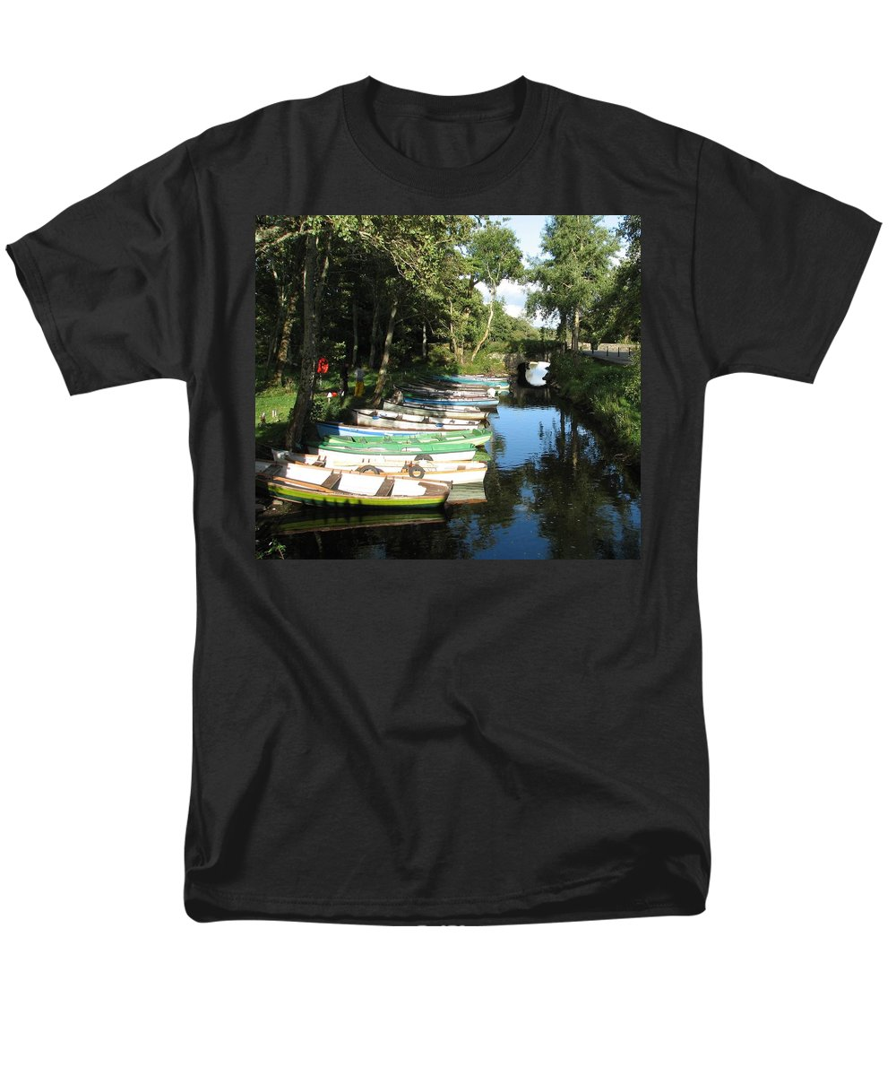 Boat Men's T-Shirt (Regular Fit) featuring the photograph End of the Day by Kelly Mezzapelle