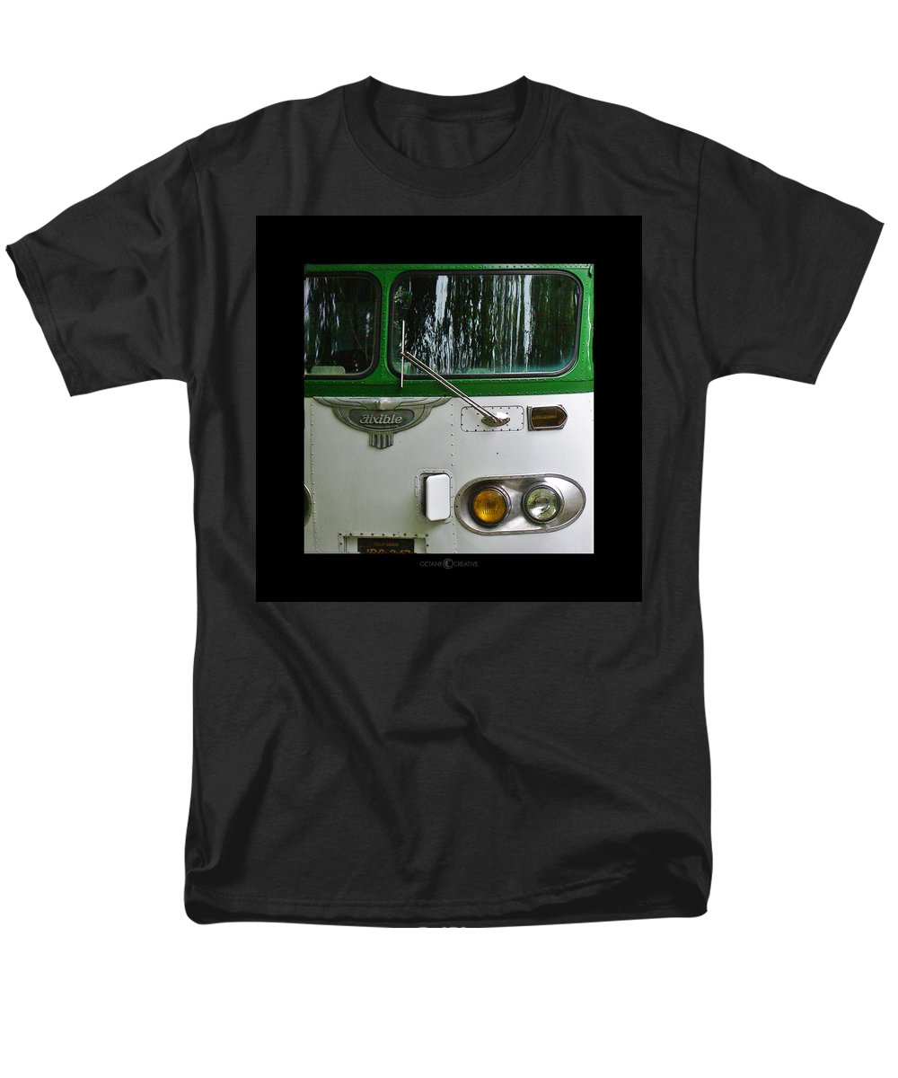Flxible Men's T-Shirt (Regular Fit) featuring the photograph Flxible by Tim Nyberg