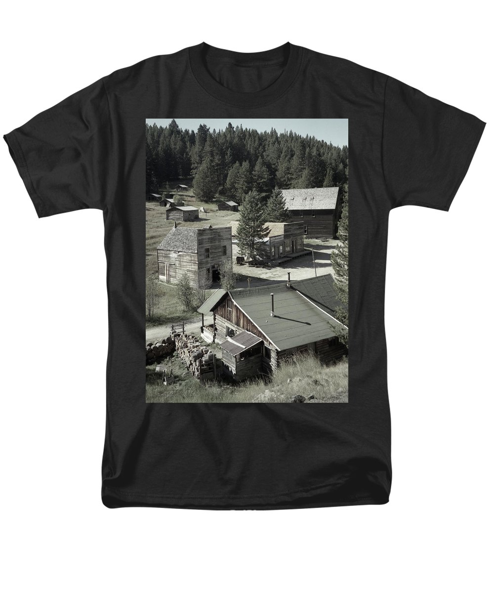 Ghost Towns Men's T-Shirt (Regular Fit) featuring the photograph Life in a Ghost Town by Richard Rizzo