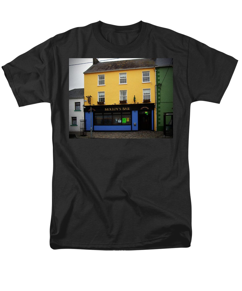 Pub Men's T-Shirt (Regular Fit) featuring the photograph Molloy by Tim Nyberg