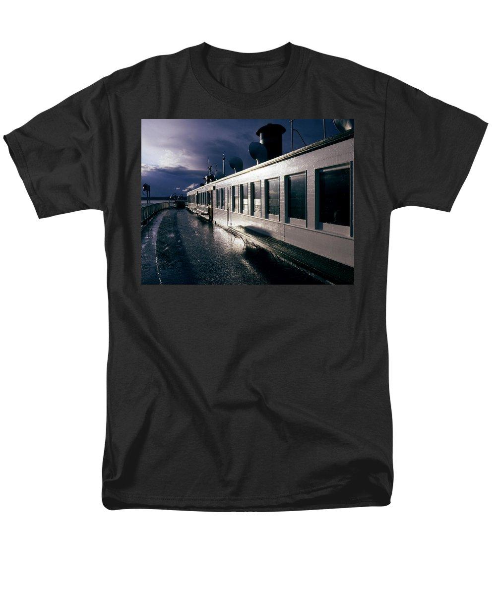Scenic Men's T-Shirt (Regular Fit) featuring the photograph San Juan Islands Ferry by Lee Santa