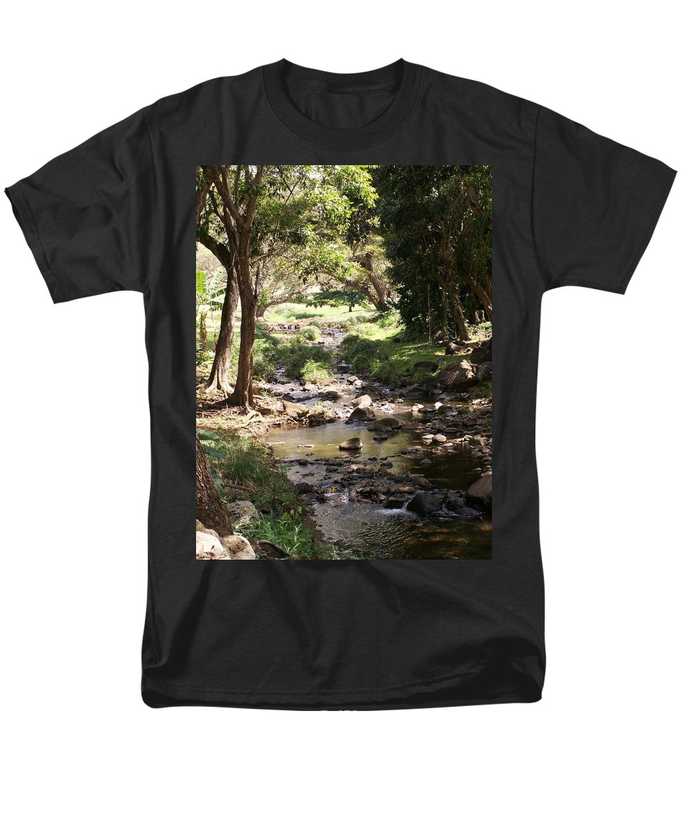 Kauai Men's T-Shirt (Regular Fit) featuring the photograph Serenity by Amy Fose