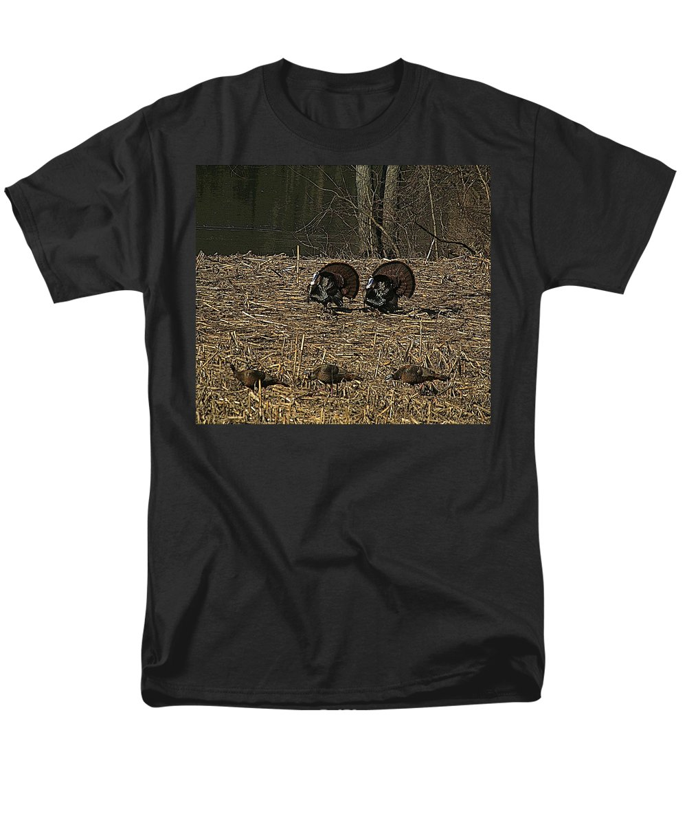 Turkey Men's T-Shirt (Regular Fit) featuring the photograph Strutin For The Ladies by Robert Pearson