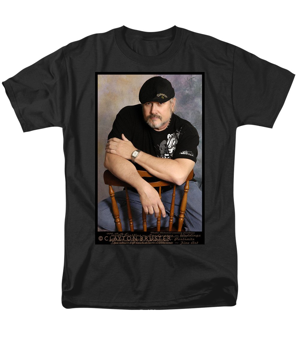 Clay Men's T-Shirt (Regular Fit) featuring the photograph The Artist by Clayton Bruster