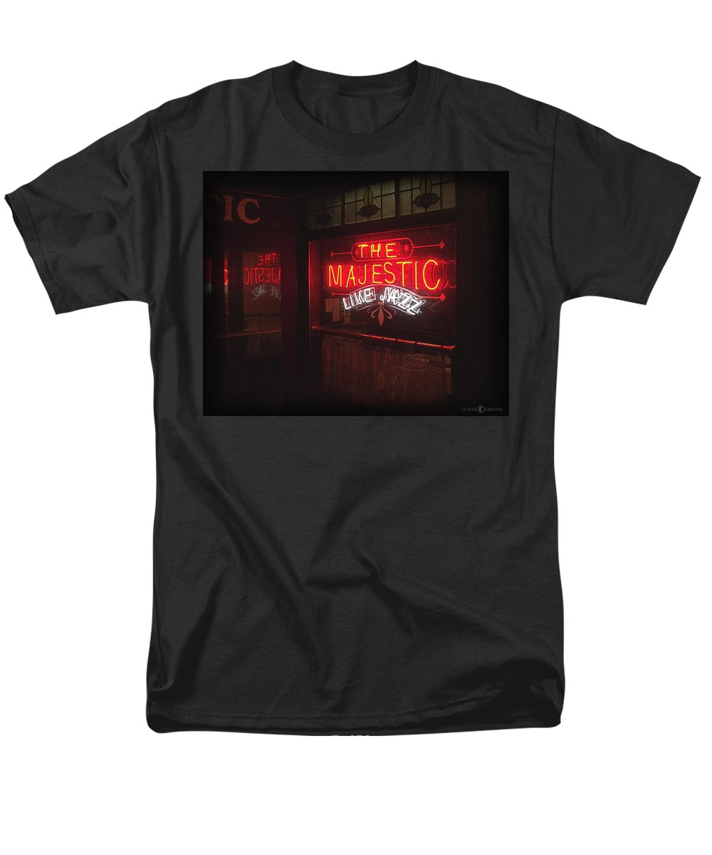 Majestic Men's T-Shirt (Regular Fit) featuring the photograph The Majestic by Tim Nyberg
