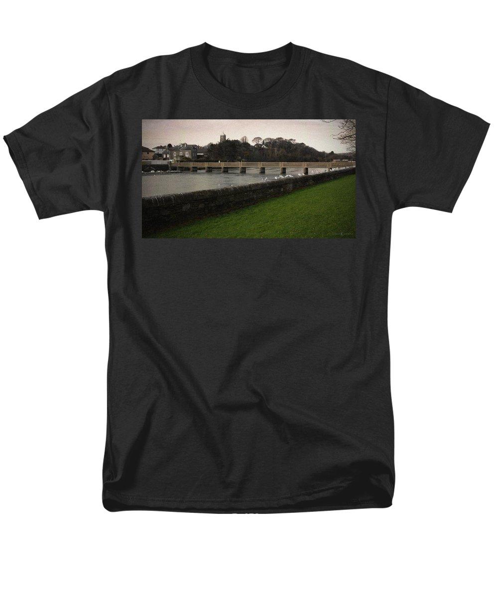 Footbridge Men's T-Shirt (Regular Fit) featuring the photograph Wicklow Footbridge by Tim Nyberg