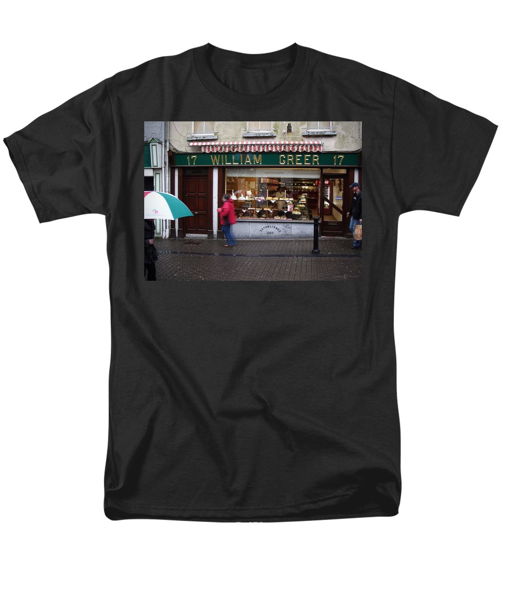 Ireland Men's T-Shirt (Regular Fit) featuring the photograph William Greer by Tim Nyberg
