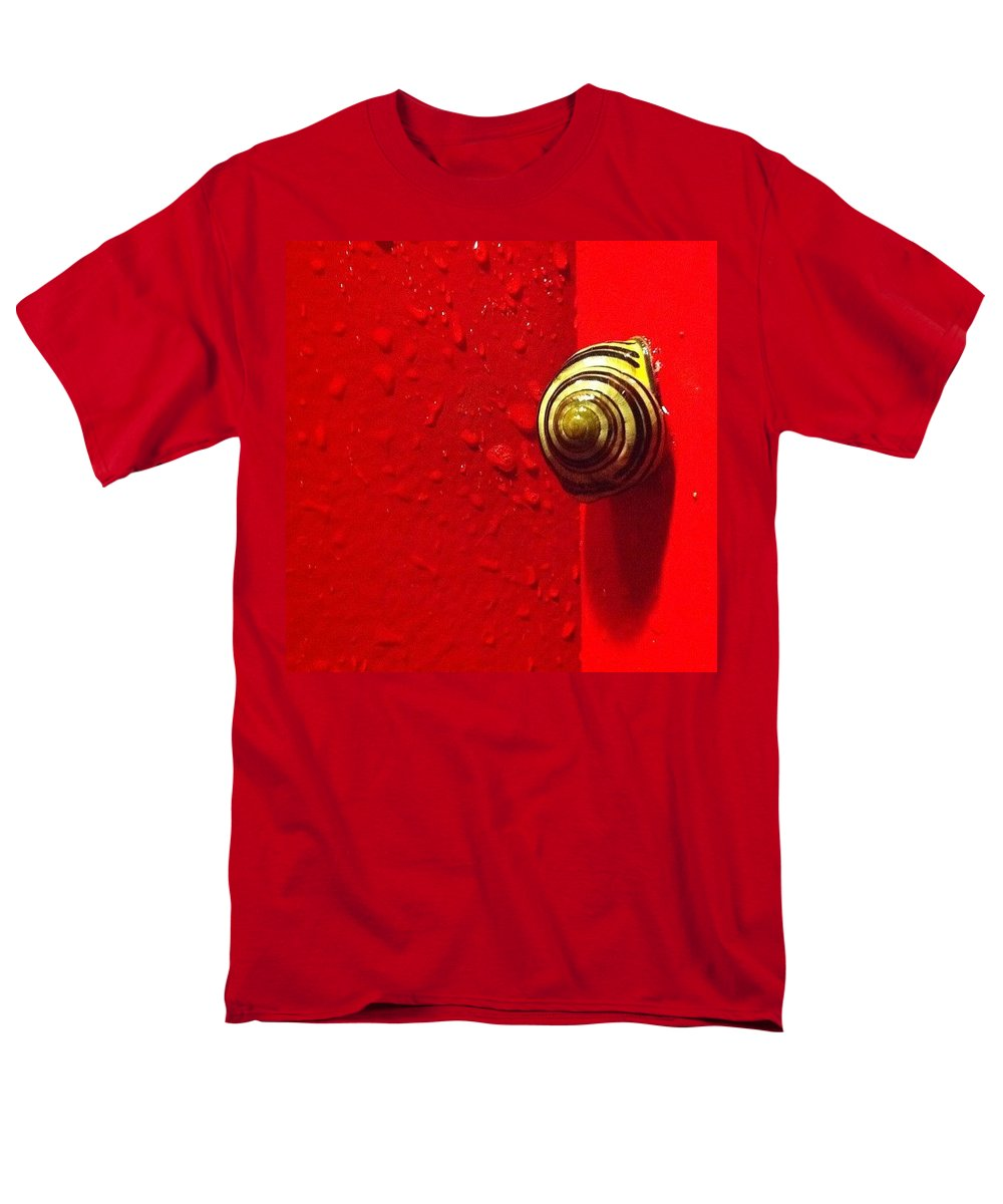 Nofilter Men's T-Shirt (Regular Fit) featuring the photograph Never A Shortage Of #snails Back Here by Katie Cupcakes