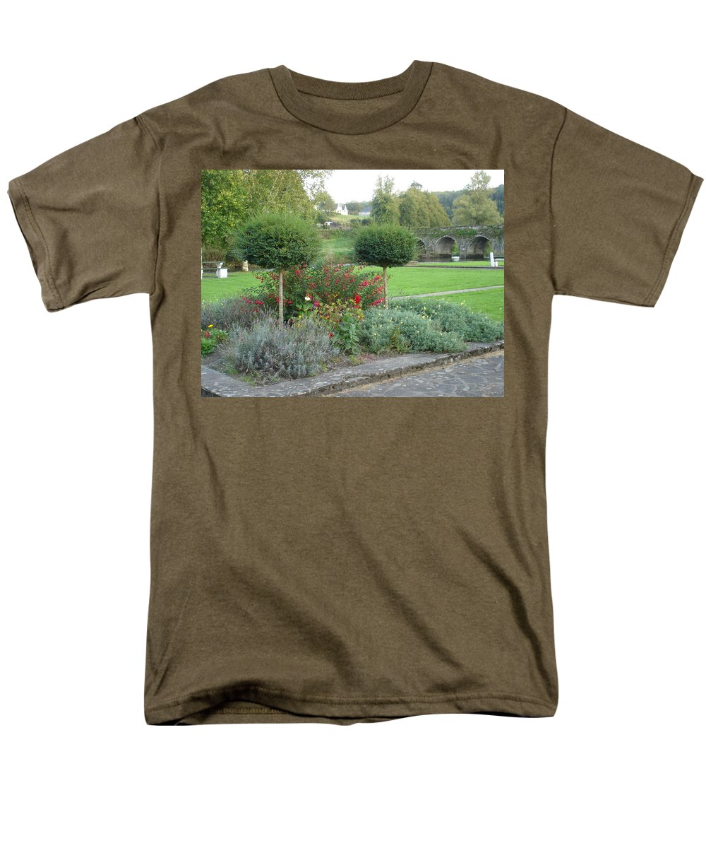 Inistioge Men's T-Shirt (Regular Fit) featuring the photograph Garden on the Banks of the Nore by Kelly Mezzapelle
