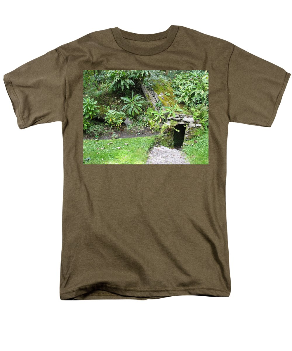 Hobbit Men's T-Shirt (Regular Fit) featuring the photograph Hobbit Home by Kelly Mezzapelle