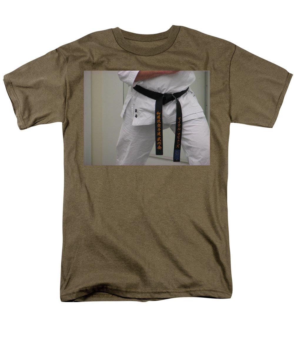 Karate Men's T-Shirt (Regular Fit) featuring the photograph Kata by Kelly Mezzapelle