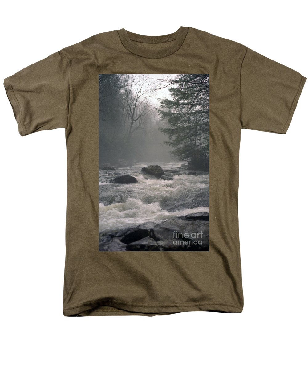 Rivers Men's T-Shirt (Regular Fit) featuring the photograph Morning at the River by Richard Rizzo
