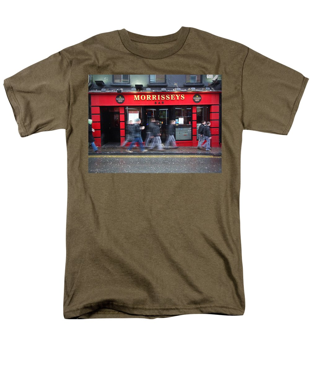 Pub Men's T-Shirt (Regular Fit) featuring the photograph Morrissey by Tim Nyberg