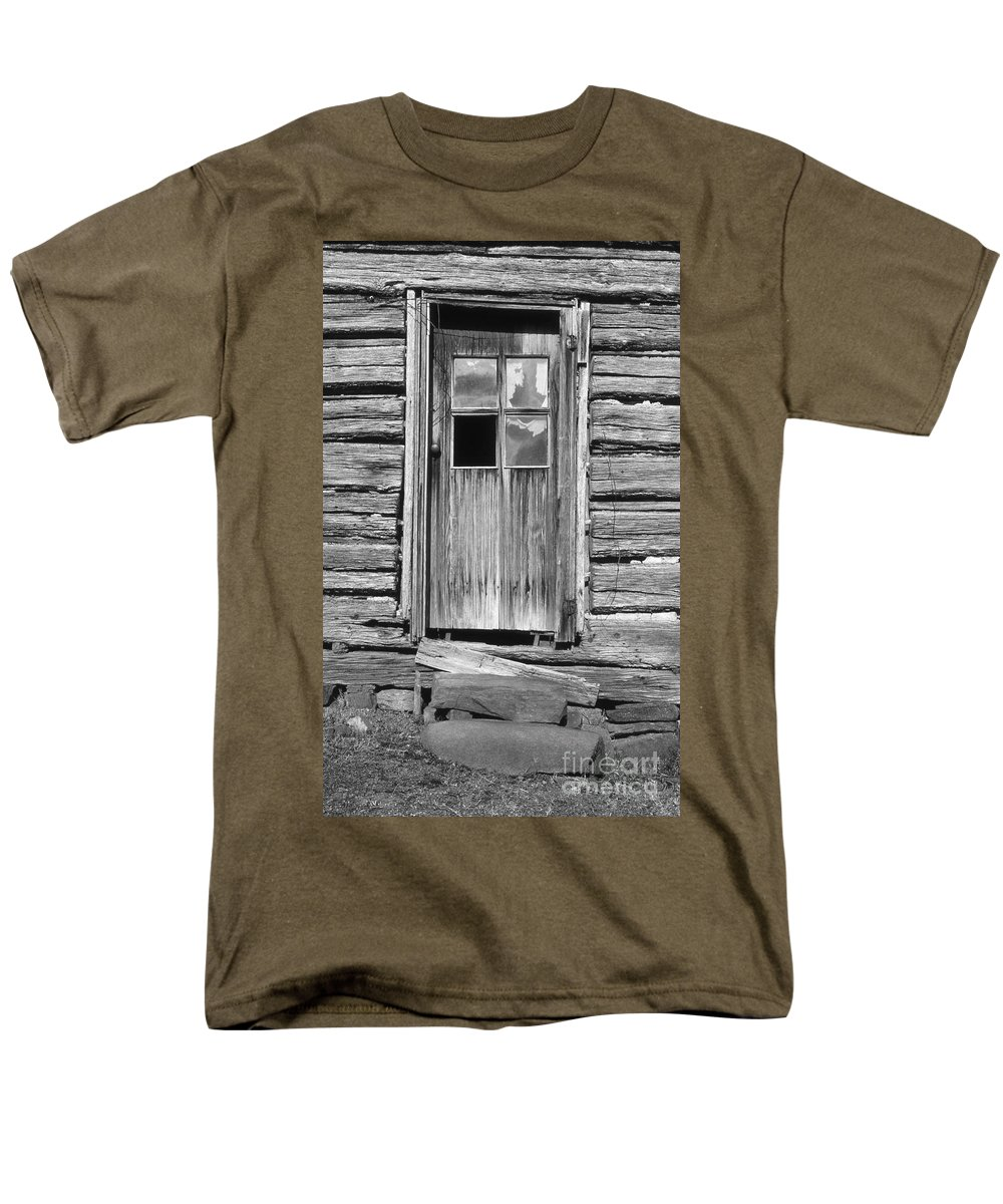 Aged Men's T-Shirt (Regular Fit) featuring the photograph Old Door by Richard Rizzo