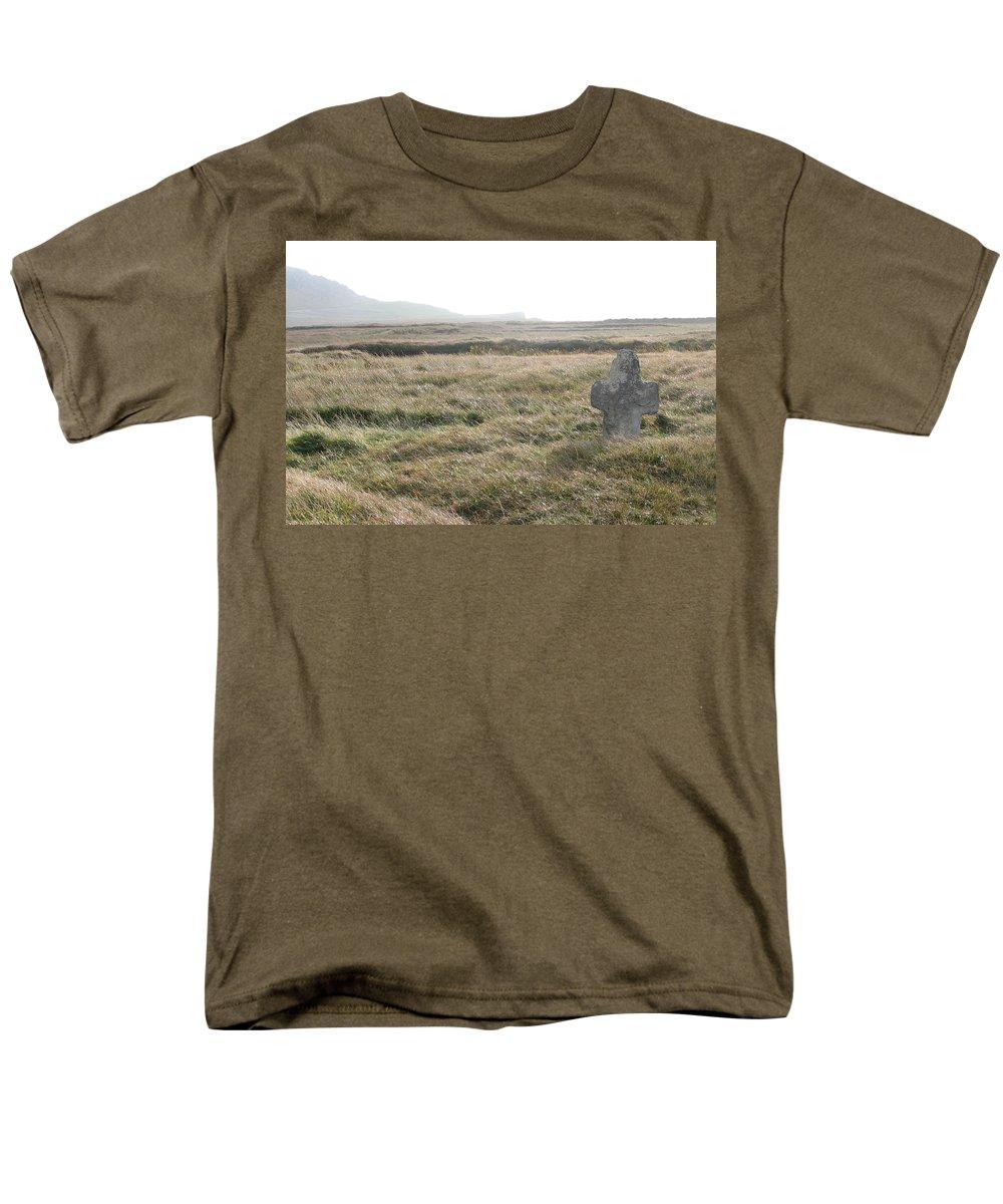 Midievil Men's T-Shirt (Regular Fit) featuring the photograph Peaceful Rest by Kelly Mezzapelle