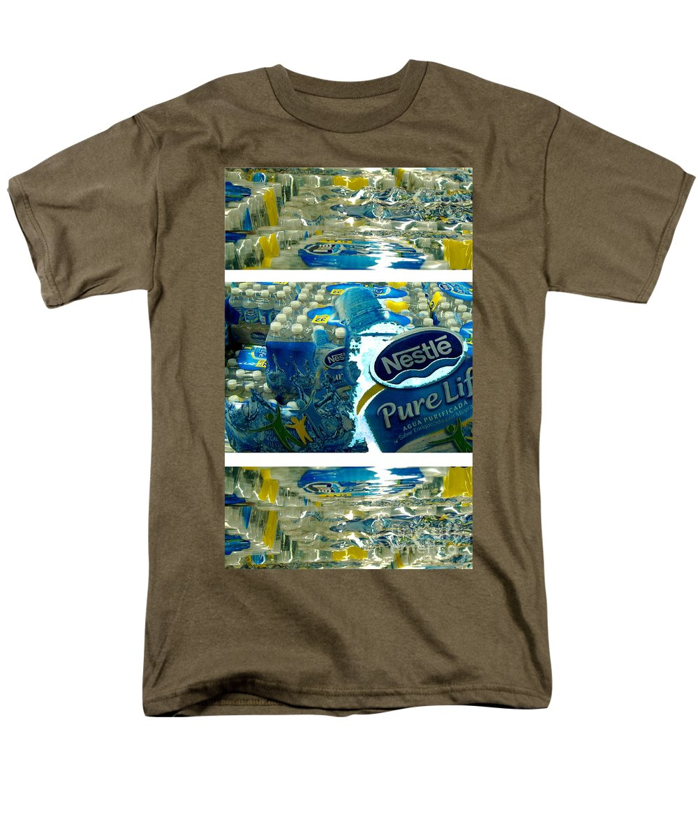 Water Men's T-Shirt (Regular Fit) featuring the photograph Pure Life by Ze DaLuz