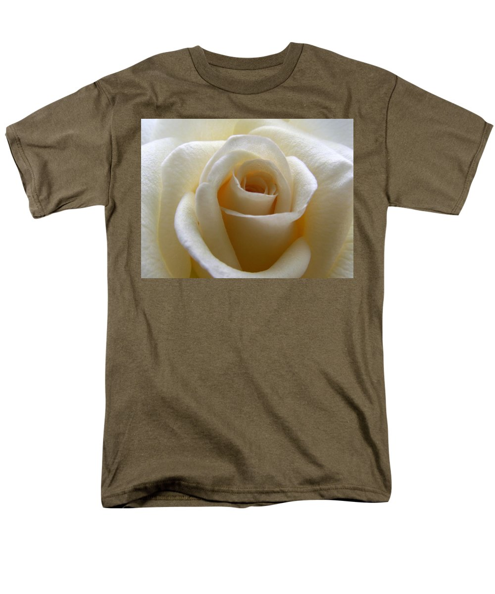 Rose Men's T-Shirt (Regular Fit) featuring the photograph Purity by Amy Fose