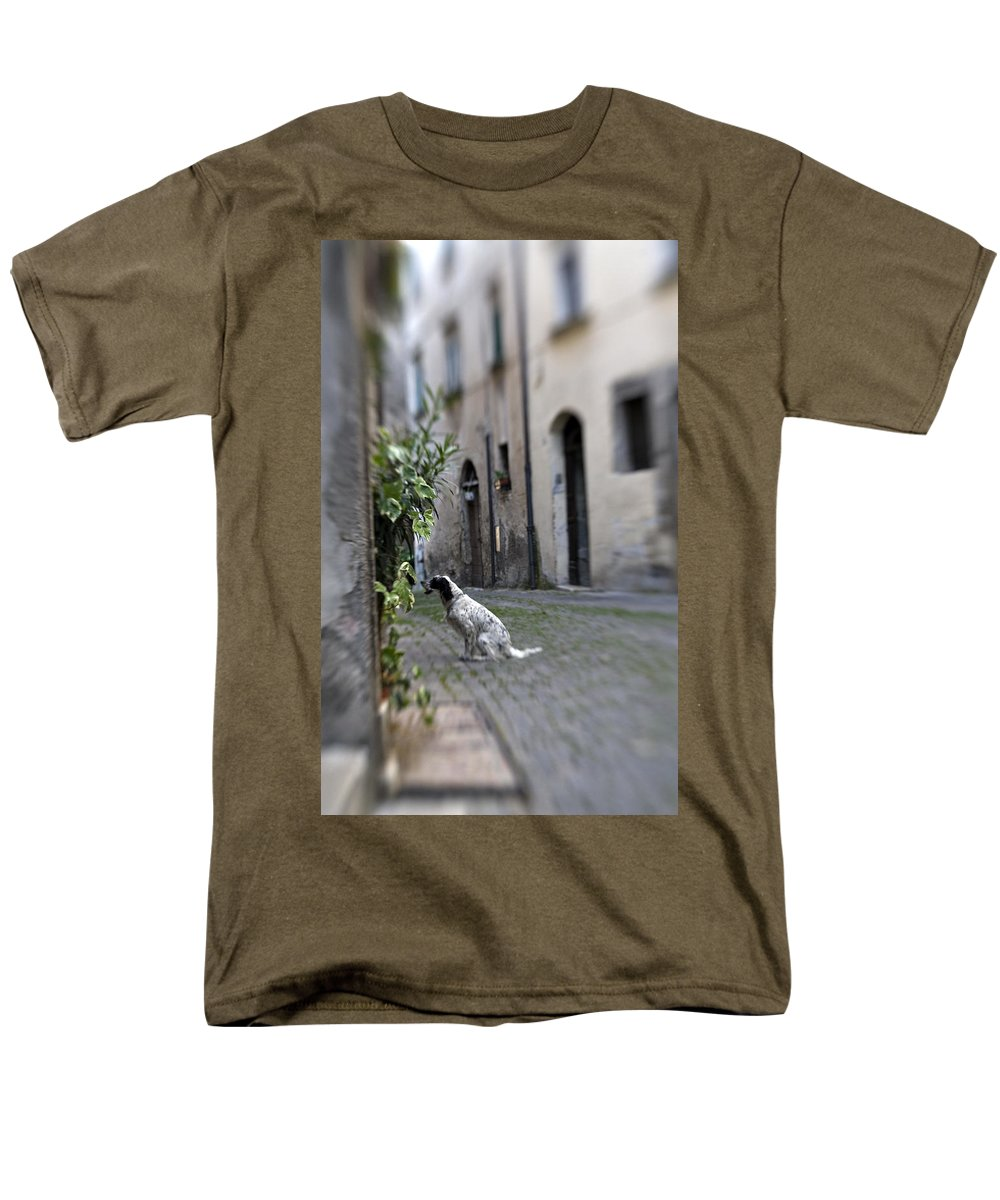 Dog Men's T-Shirt (Regular Fit) featuring the photograph Waiting by Marilyn Hunt