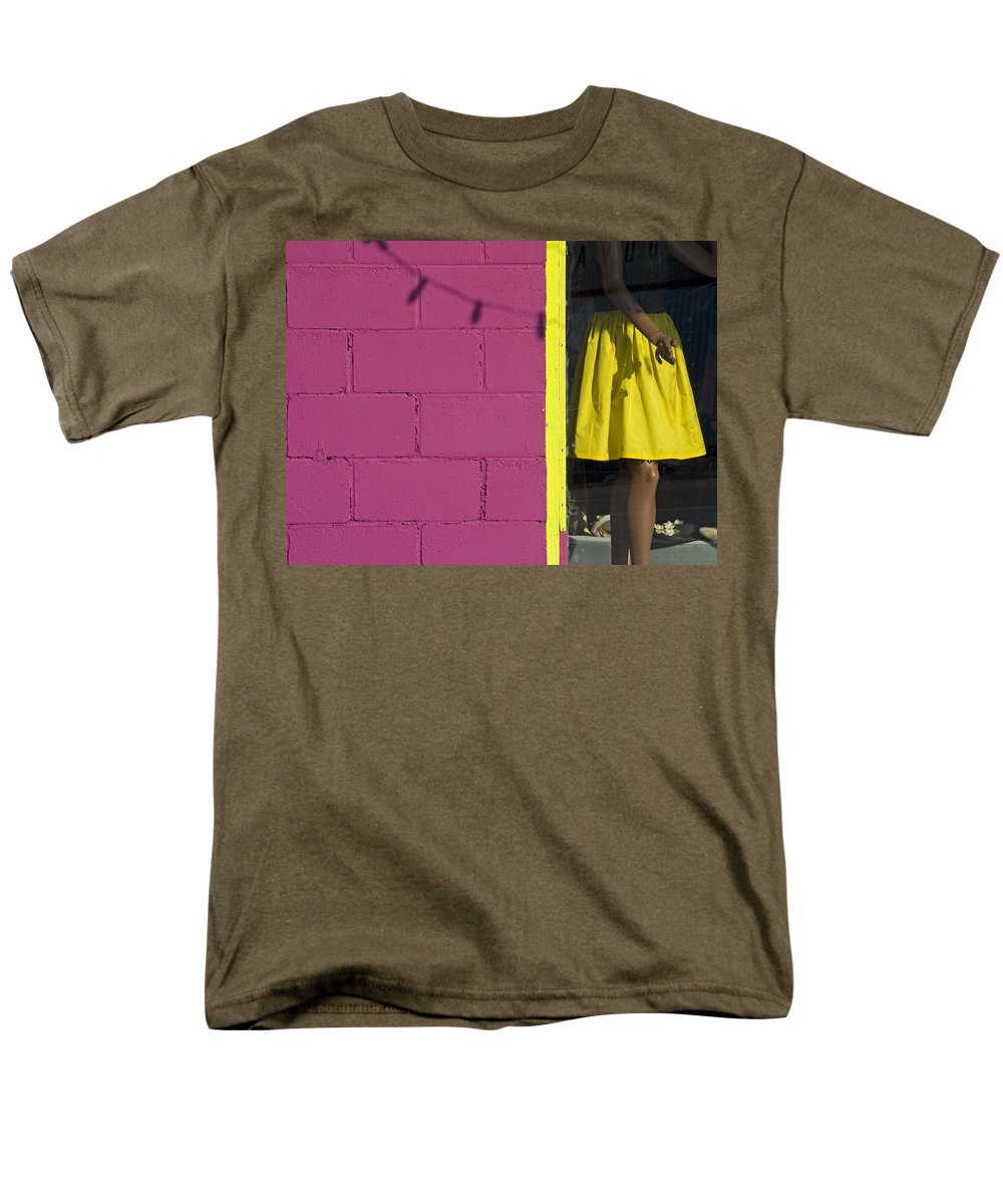 Woman Men's T-Shirt (Regular Fit) featuring the photograph Waiting by Skip Hunt