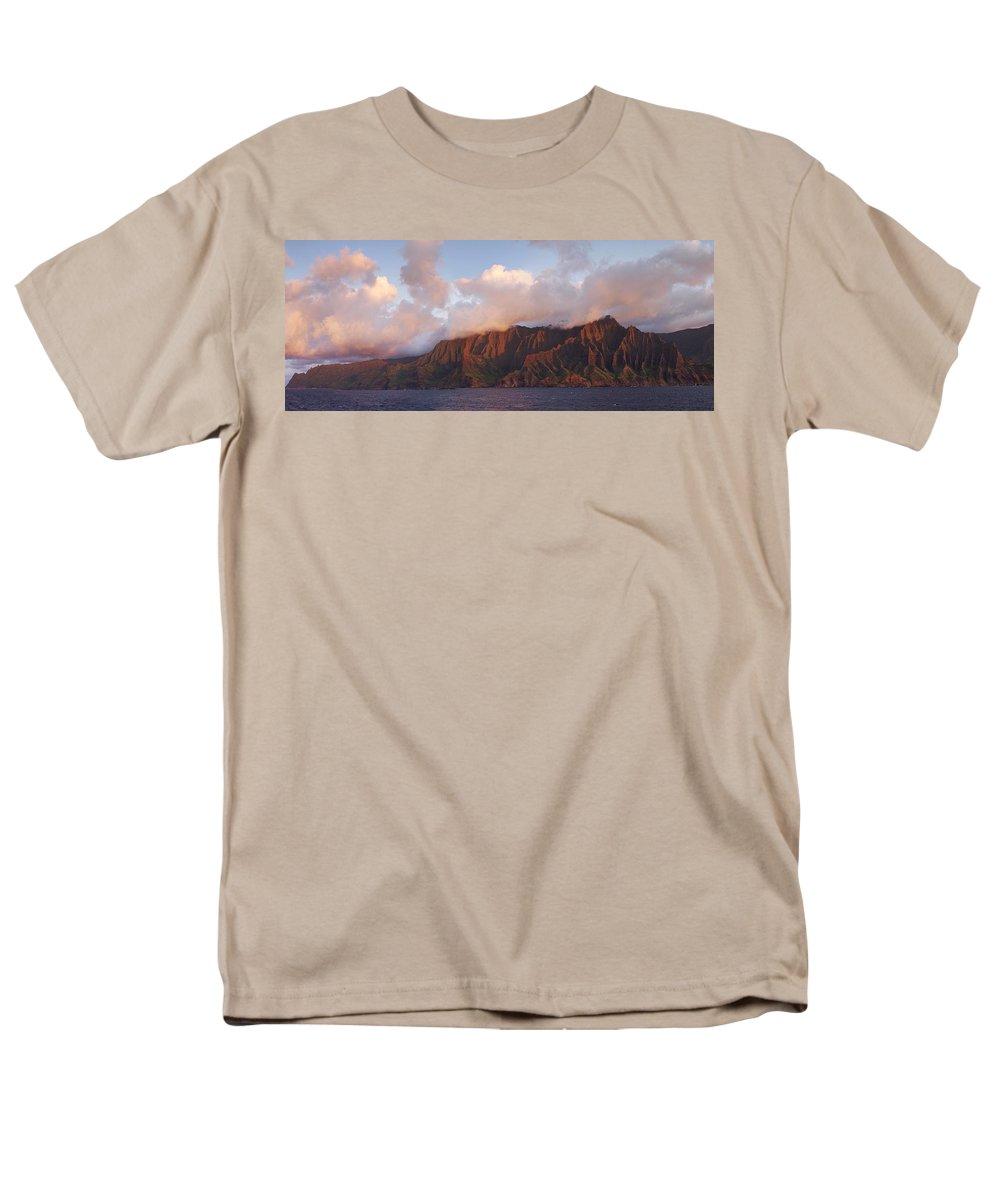 Hawaii Men's T-Shirt (Regular Fit) featuring the photograph Hawaii by Heather Coen
