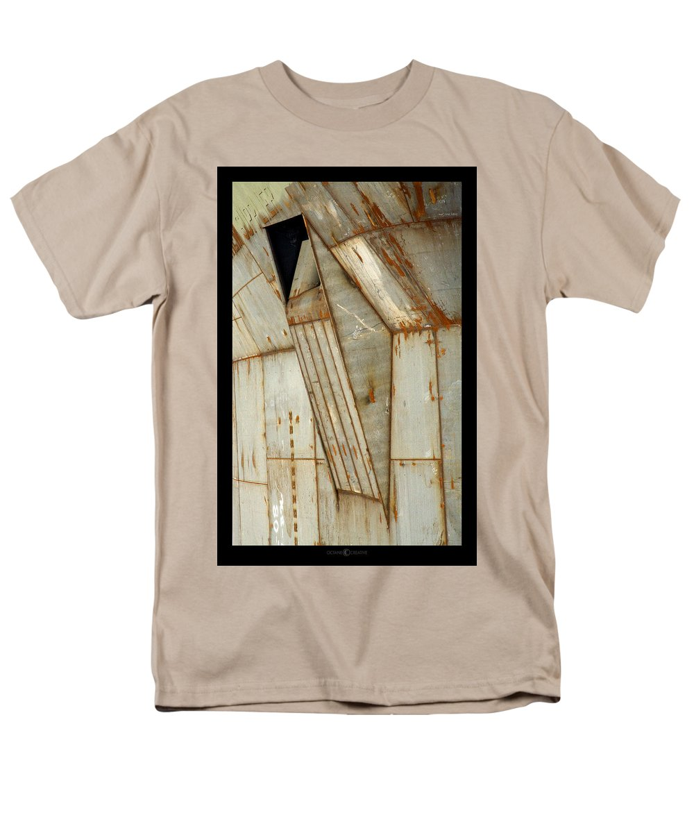Hull Men's T-Shirt (Regular Fit) featuring the photograph Hull Detail by Tim Nyberg