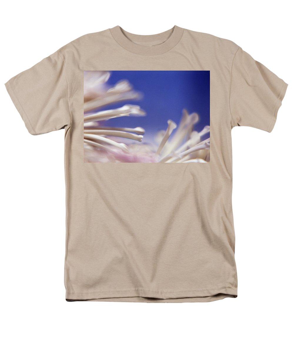 Macro Men's T-Shirt (Regular Fit) featuring the photograph Macro Flower 2 by Lee Santa
