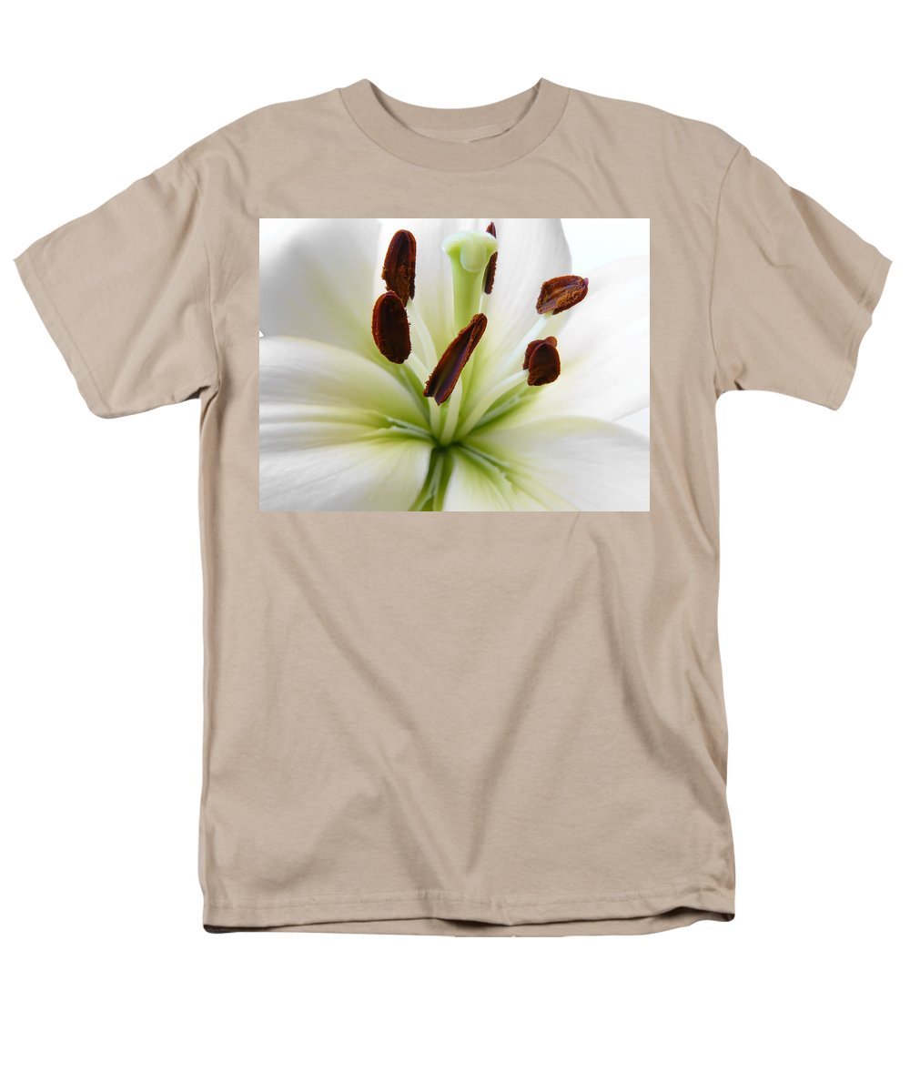 Lily Men's T-Shirt (Regular Fit) featuring the photograph Lily by Daniel Csoka