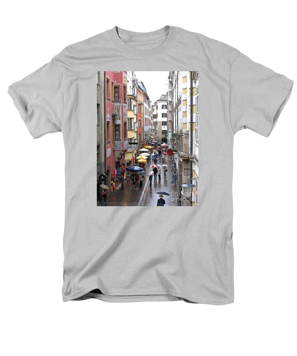 Innsbruck Men's T-Shirt (Regular Fit) featuring the photograph Rainy Day Shopping by Ann Horn
