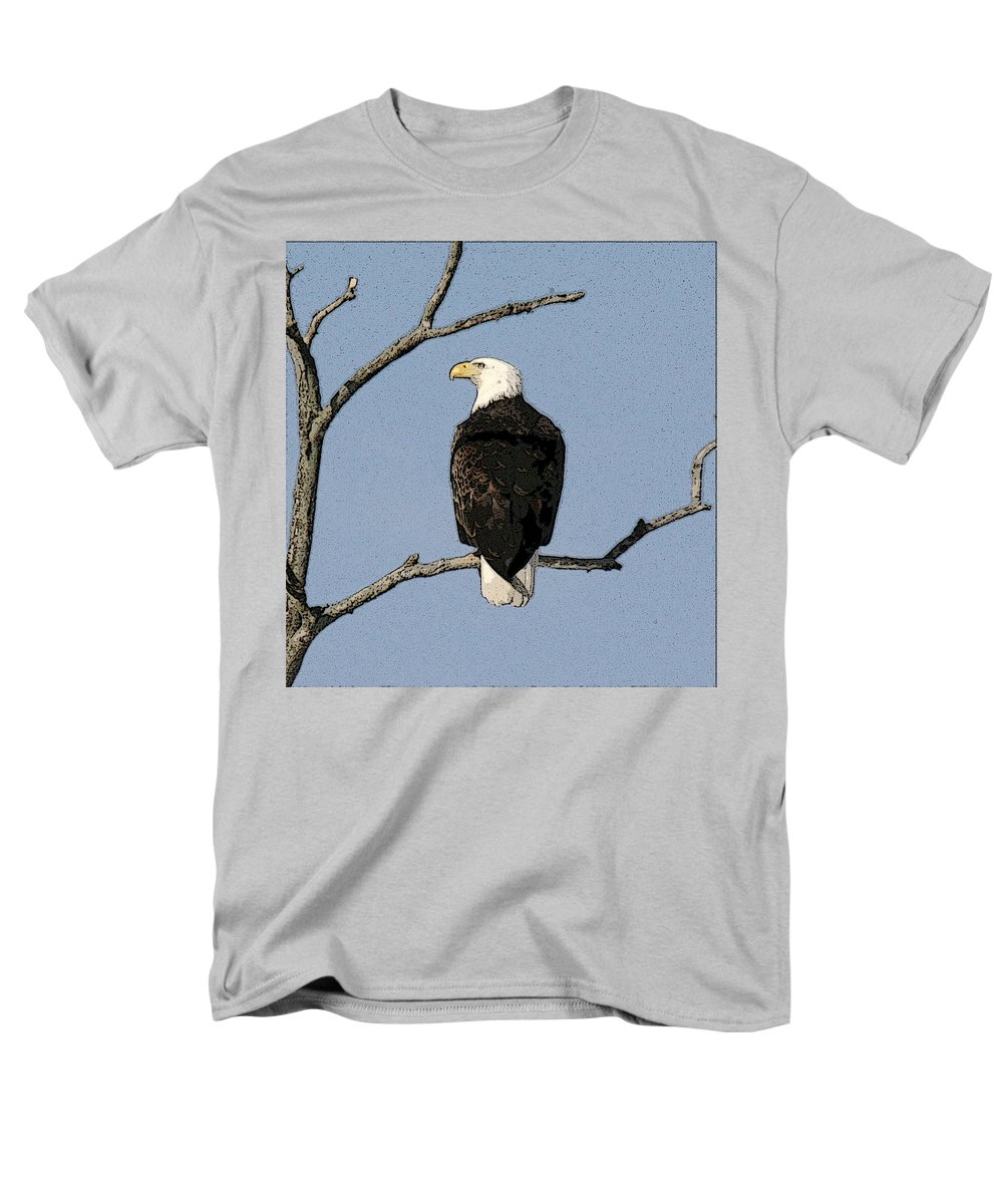 Eagle Men's T-Shirt (Regular Fit) featuring the photograph Look Out by Robert Pearson