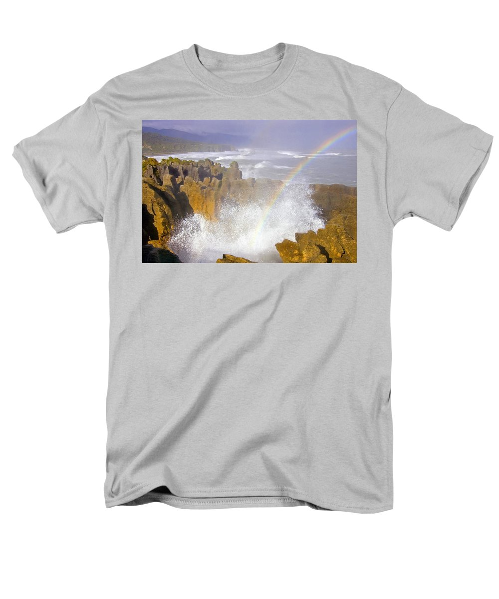 Paparoa Men's T-Shirt (Regular Fit) featuring the photograph MAking Miracles by Mike Dawson