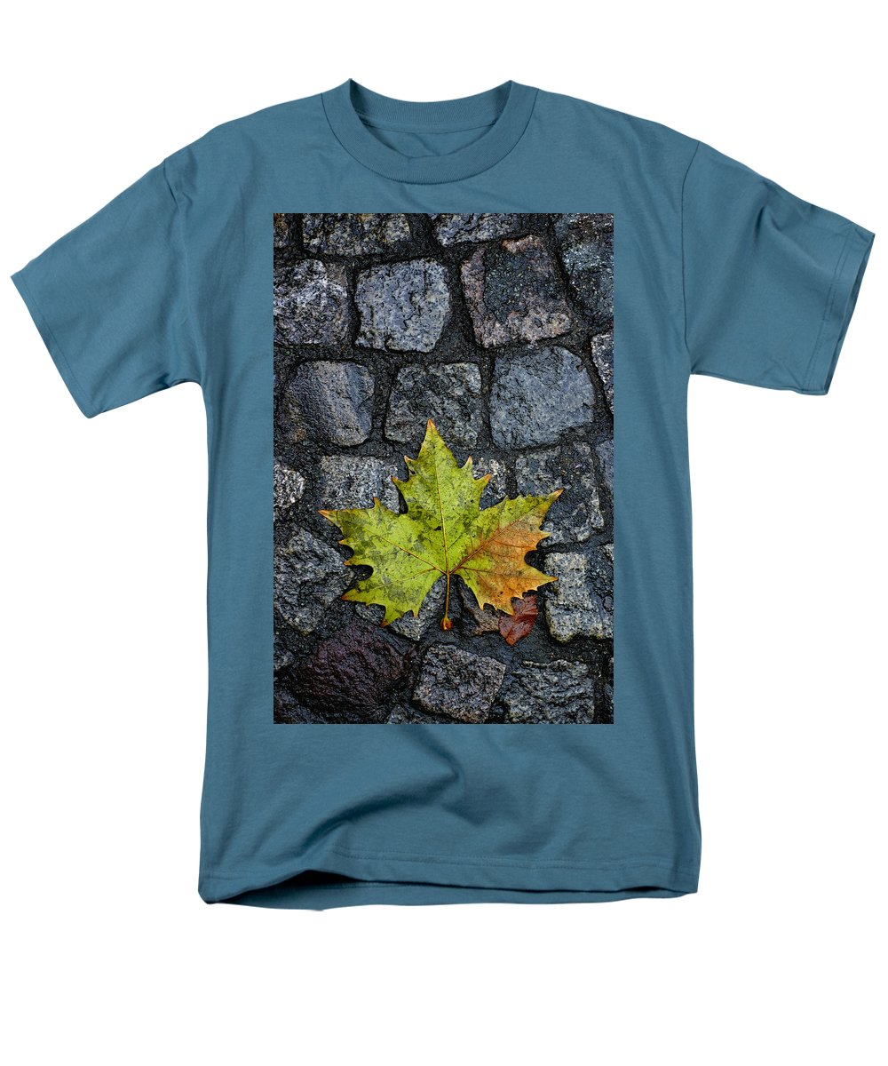 Nature Men's T-Shirt (Regular Fit) featuring the photograph Deville by Skip Hunt