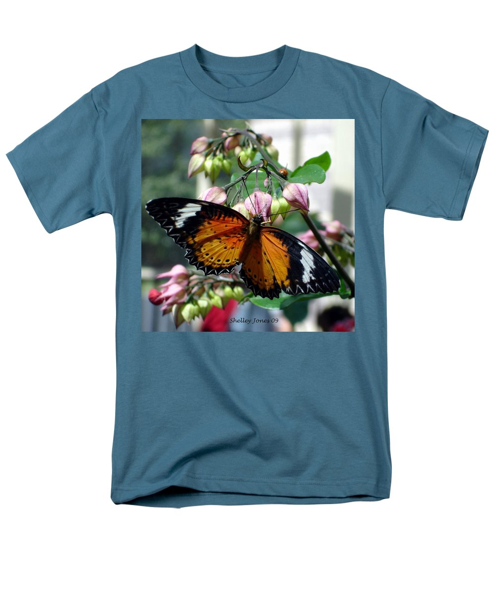 Photography Men's T-Shirt (Regular Fit) featuring the photograph Friends come in small packages by Shelley Jones