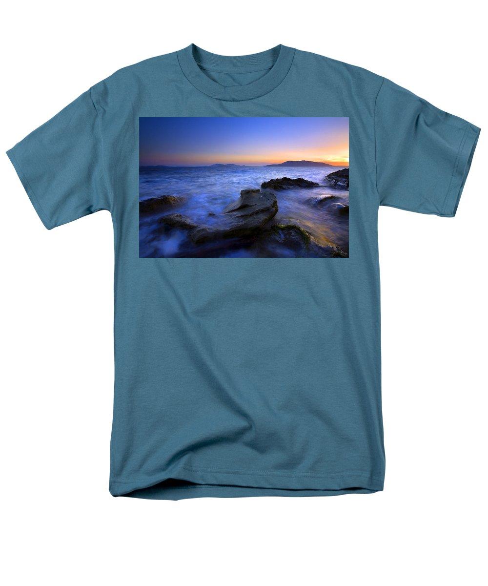 Sunset Men's T-Shirt (Regular Fit) featuring the photograph San Juan sunset by Mike Dawson